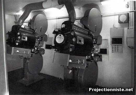 photos anciennes de projecteur cinema 35 mmphotos anciennes le palais des festivals cannes. Black Bedroom Furniture Sets. Home Design Ideas